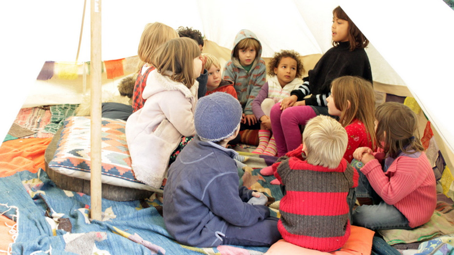 bell-tent-story-time